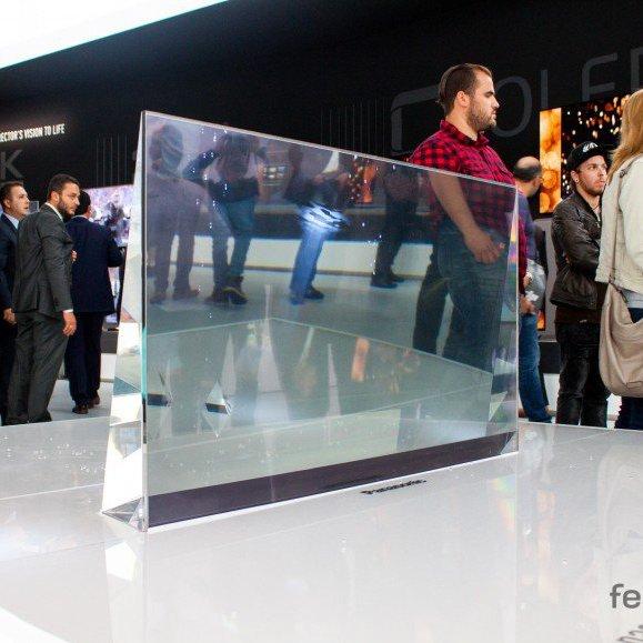 Panasonic показав прозорий телевізор майбутнього (фото, відео)