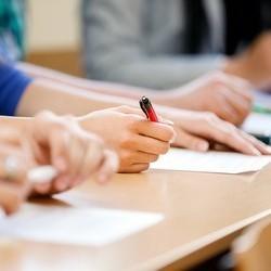 ЗНО: В деяких селах Закарпаття тести з української мови не склали 100% випускників