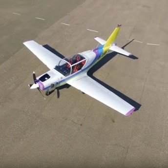 В Україні розробили новий легкий чотиримісний літак, який отримав назву Y1 «Дельфін» (відео)