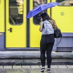 До кінця доби в Україні слід очікувати сильних дощів та грози, - синоптик