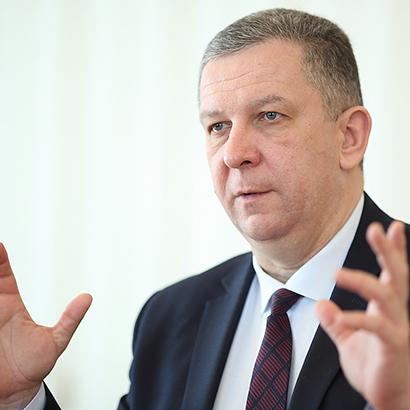 Міністр Рева в серпні отримав 48 тис грн «на вирішення побутових питань»