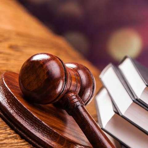 В Індії двох чоловіків засудили до смертної кари за причетність до теракту 1993 року