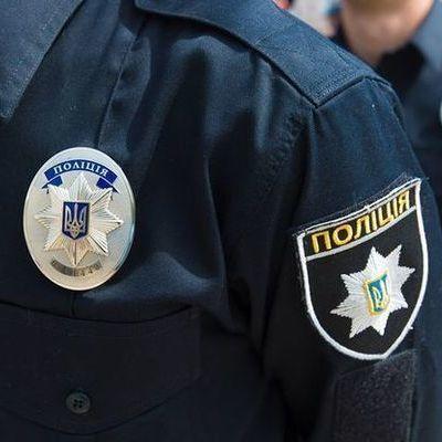 У Харкові патрульний пограбував чоловіка