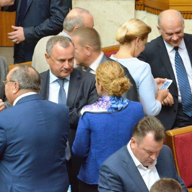 Стало відомо, кого з депутатів не запросили на закриту зустріч БПП (відео)