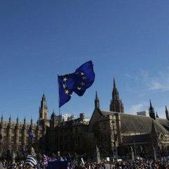 В Лондоні тисячі людей зібрались на марш проти Brexit