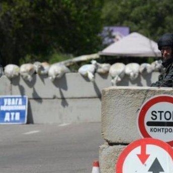 Бойовики обстріляли контрольний пункт «Майорськ» з мирними мешканцями