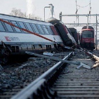 У Швейцарії зіткнулося два потяги: багато постраждалих