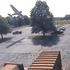 В США камера спостереження зафіксувала падіння приватного літака (відео)