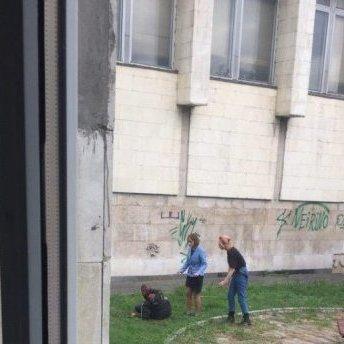 Біля КПІ чоловік перерізав собі горло через втрату роботи (фото)