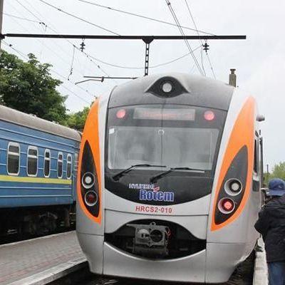 «Укрзалізниця» запустить додатковий поїзд Київ - Чернівці