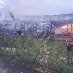 На Русанівській набережній згорів ресторан на воді