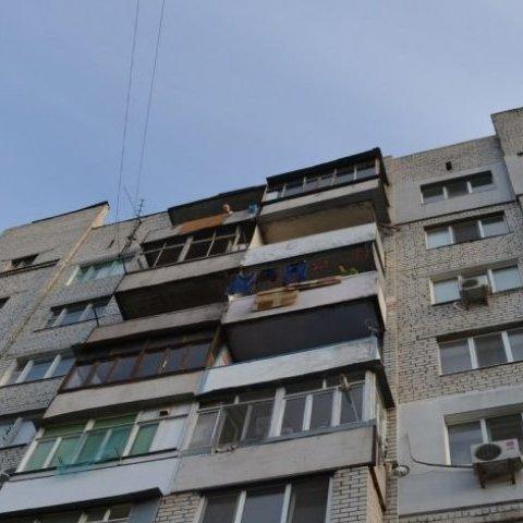 У Солом'янському районі шестирічна дівчинка випала з 9-го поверху