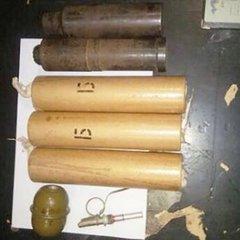 В київському метро поліція знайшла у хлопця цілий арсенал боєприпасів