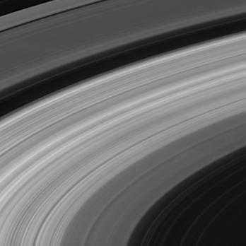 NASA показало останні знімки, зроблені згорілим в атмосфері Сатурна зондом Cassini. Відео