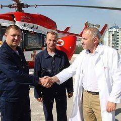 Вперше за історію української медицини стали застосовувати санітарний вертоліт для екстреної допомоги при хворобах серця (фото, відео)