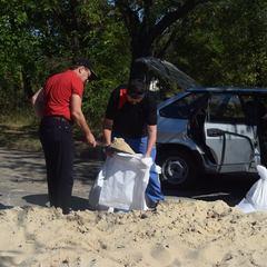 «Робіть добрі справи»: депутати похвалилися тим, що вкрали 10 мішків піску у бізнесмена