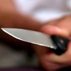 «Продавець із ножем в руках пішла на нападника»: у Києві судитимуть неповнолітніх розбійників
