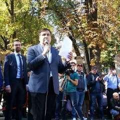 «Іди, грузине, до себе додому»: Саакашвілі нагадав Порошенку досвід Кучми