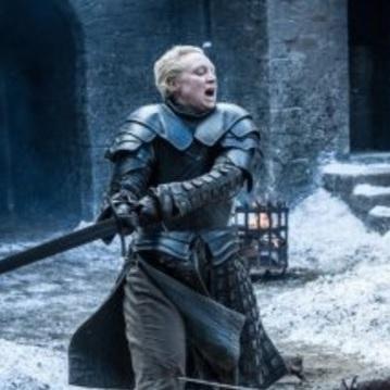 Акторка із «Гри престолів» показала як сама виконує небезпечні трюки (відео)