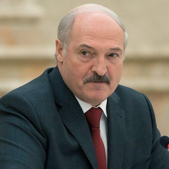 Лукашенко відмінив візит до Путіна через поведінку російських військових, - Турчинов