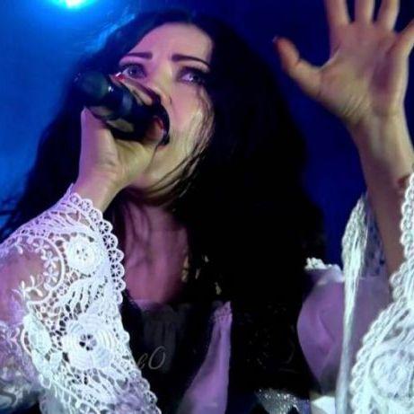 Популярну українську співачку затримали в Туреччині