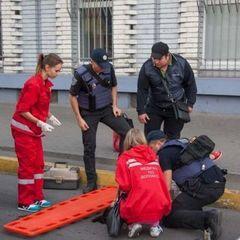 У Дніпрі дівчина під час руху випала із маршрутки: стан потерпілої та подробиці інциденту (відео)