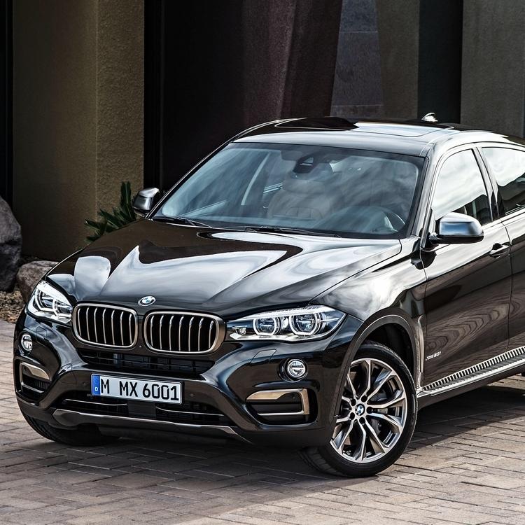 В автомобілях BMW смартфон може замінити ключі
