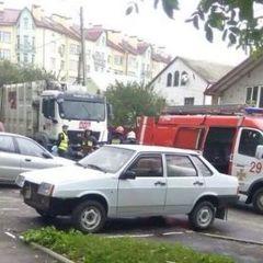 У Львові сміттєвоз на смерть роздавив матір з дочкою (фото)