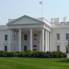 У США затримали озброєного чоловіка, який справляв нужду біля Білого дому
