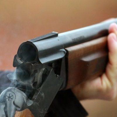 Російський пенсіонер розстріляв з автомата незнайомців, що постукали в його двері