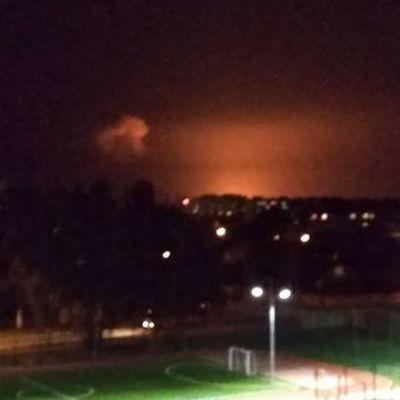 Вибухи на складі боєприпасів в Калинівці: до ліквідації залучено 2 пожежних танки, жителі говорять про евакуацію