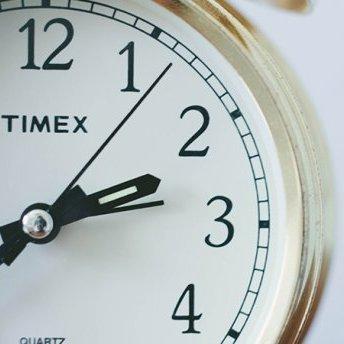 Як прокидатися раніше на 2 години щодня: 4 дієвих поради