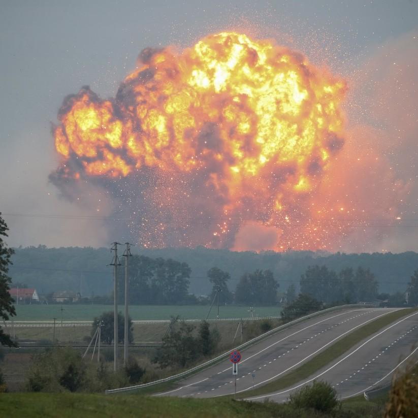 Що залишилось від військового арсеналу в Калинівці (відео)