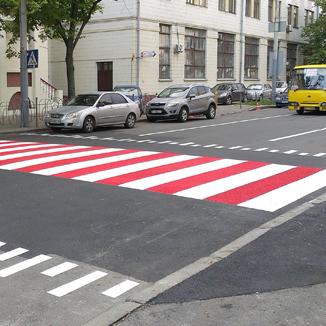 В Україні хочуть знизити швидкість на переходах до 50 км/год
