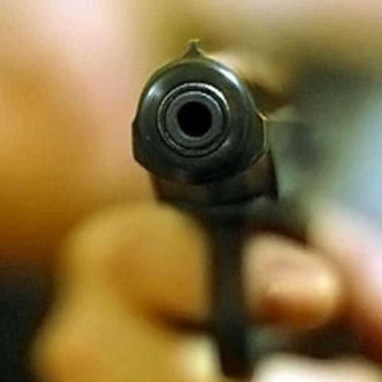 У США в домашньому дитсадку трирічний малюк поранив з пістолета двох дітей