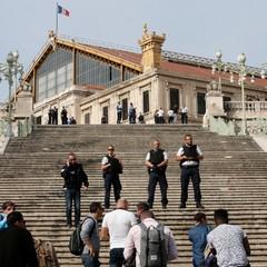 У Марселі на вокзалі терорист зарізав двох жінок після чого його застрелили (фото)