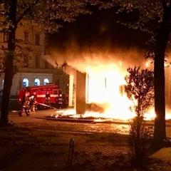 У Львові вночі горів Сбербанк Росії (фото, відео)