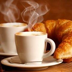 Суд у Німеччині постановив, що тістечко та кава це не повноцінний сніданок