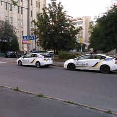 У Києві у чоловіка із автомобіля вкрали сумку з мільйоном гривень