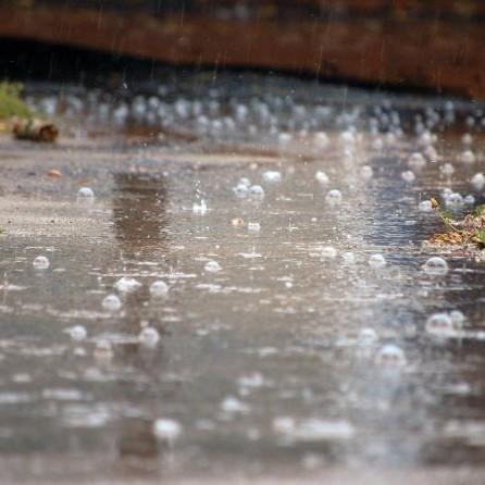 В Україні найближчими днями прогнозують сильні дощі