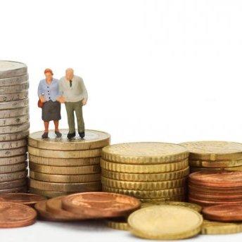 В Україні скасовують спеціальні пенсії для суддів, прокурорів та чиновників
