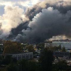 У Москві на 3000 м² горить торговий центр