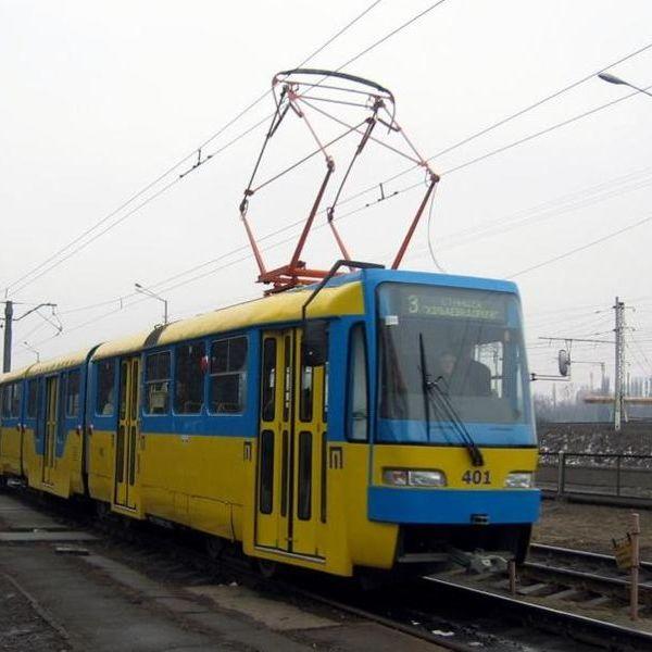 На Оболоні трамвай насмерть переїхав чоловіка