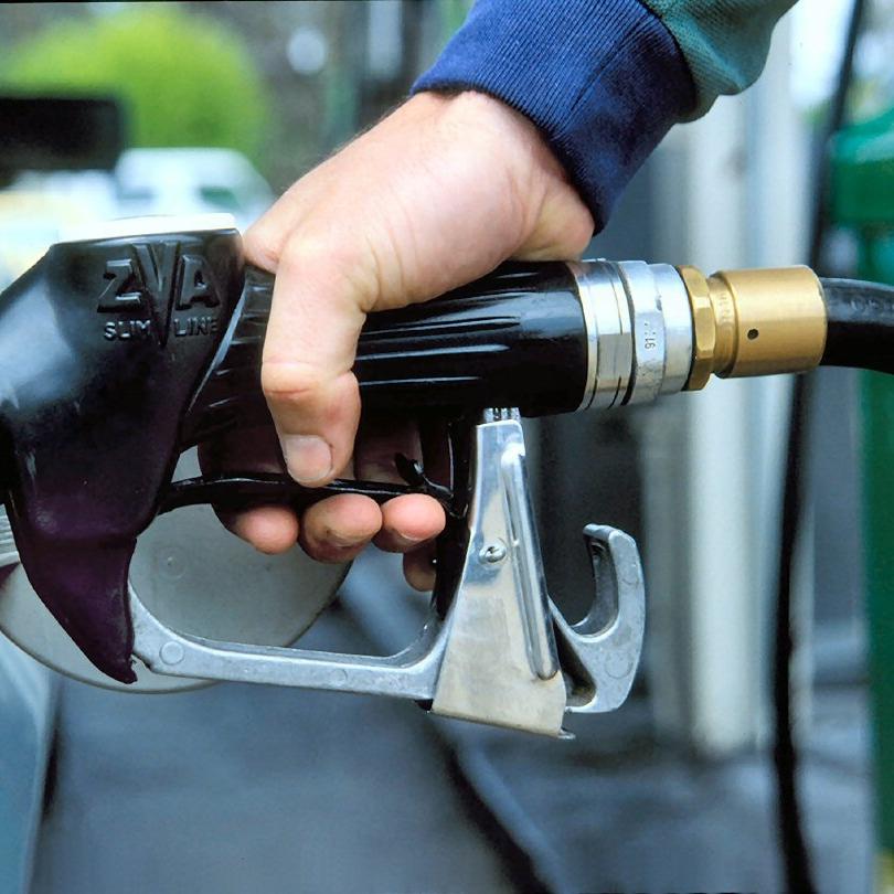Ціни на бензин стабільні, а на дизпаливо ростуть, - моніторинг АЗС