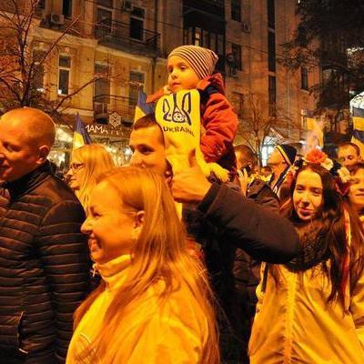 Вболівальники пройшли центром Києва перед матчем з хорватами (фото, відео)