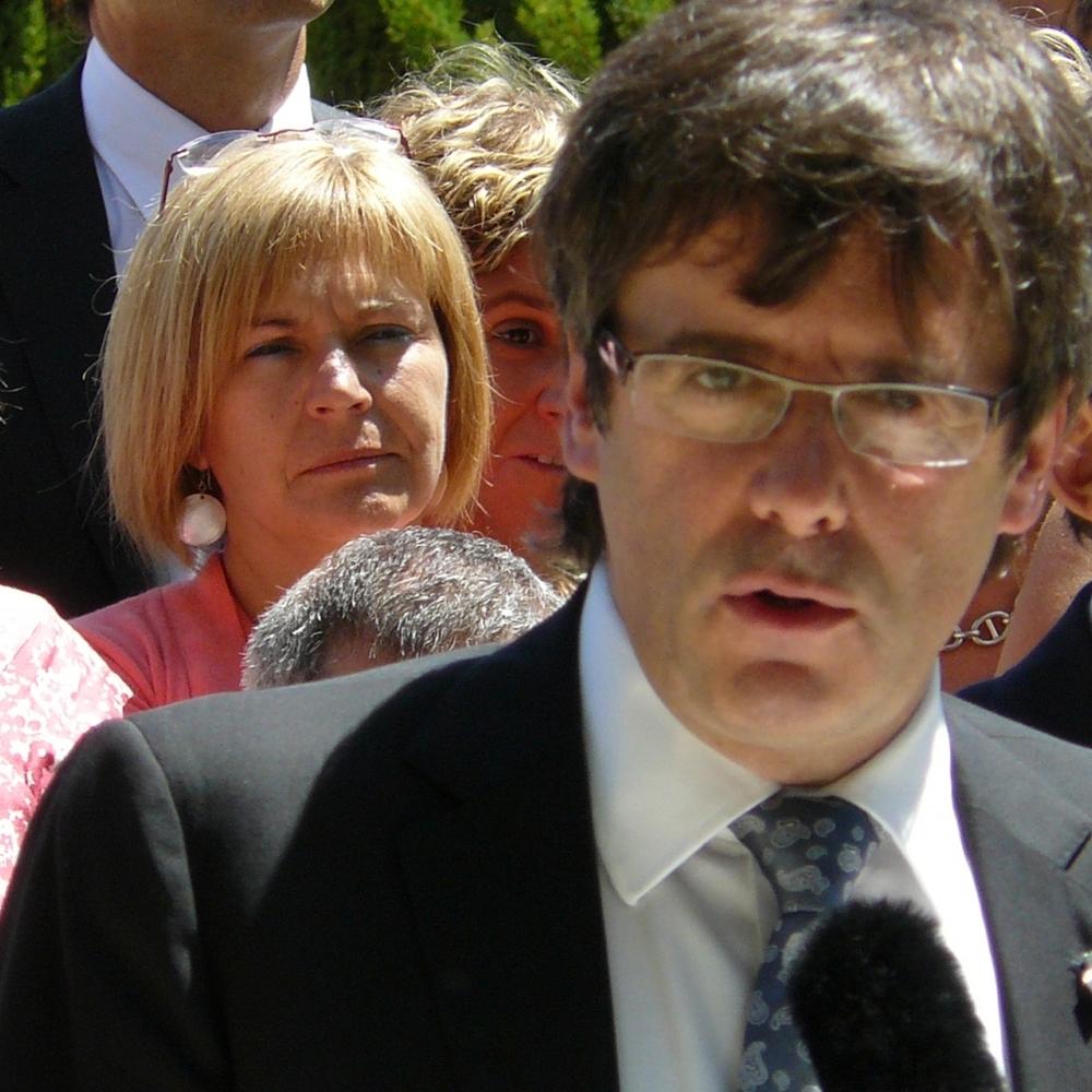 Голова уряду Каталонії підписав декларацію про незалежність