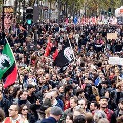 На демонстрації проти трудової реформи Макрона вийшли 400 тисяч французів (фото)