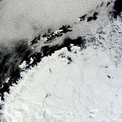 В Антарктиді виявили тріщину розміром в три українських області
