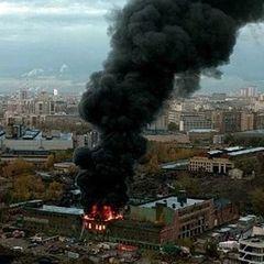 У Росії горить завод  «Серп і Молот» (відео)