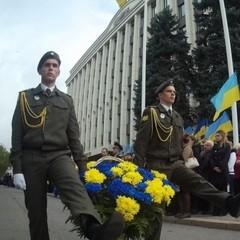У Дніпрі пройшов військовий марш до Дня захисника України (фото, відео)
